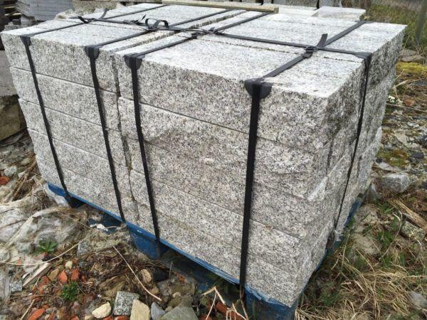 Granitpalisaden roh-geschnitten